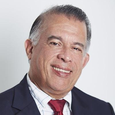 Minister Augusto Valderrama